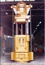 A Vulcan 340, standing in the assembly area, ready for shipment in 1973 to McDermott Offshore in Amelia, Louisiana. It is interesting that the last offshore hammer Vulcan Iron Works produced was a 340 for the Venezuelan organisation PDVSA in 2000.