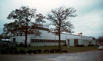 The Chattanooga plant as it looked in November 1968. The high portion on the left was the main assembly area; the offices were at the right. By the end of the 1960's the requirements for the large offshore hammers had outstripped both the plant's ability to assemble the units indoors and Ross Meehan's ability to pour large enough castings, starting a long trend of outsourcing. Nevertheless the Chattanooga facility remained a well organised and neat production facility until it was sold to Roadtec in 1999.