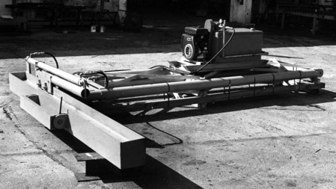 """The hydraulic moonbeam spotter, built for the U.S. government. Unfortunately,even in the 1970's, the moonbeam spotters were being displaced by hydraulic """"parallelogram"""" type spotters, which afforded more flexibility in manoevering the leaders and hammer."""