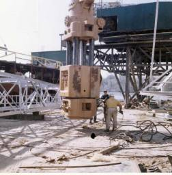 Ingram personnel and equipment picking up their Vulcan 040, 1967. Note the absence of cables; the column keys were ultimately unable to withstand the punishment of the offshore environment and were superseded by cables, part of Vulcan's learning curve offshore.