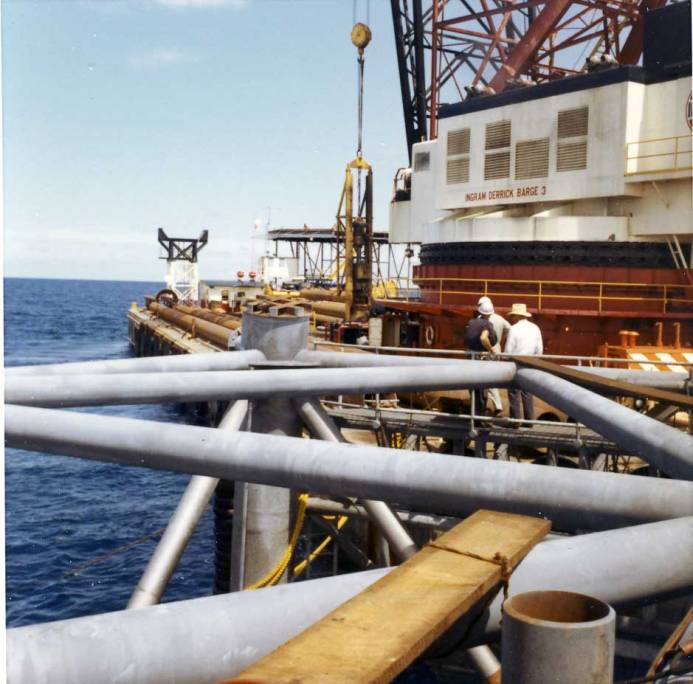 Getting ready to pick up a Vulcan 040 on Ingram's Derrick Barge #3, 1966