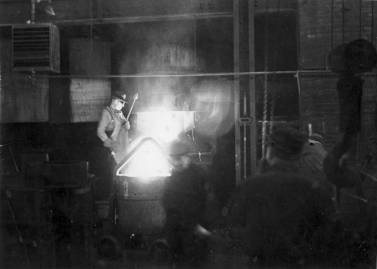 Another photo of Vulcan's foundry at the 327 North Bell Avenue facility in Chicago.